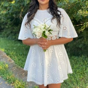 White Eyelet Sundress 💐 with cut-out